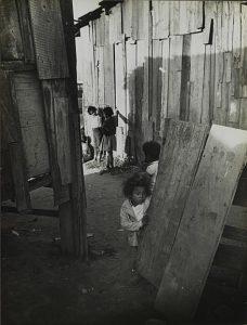 A Favela do Canindé, foto retirada do blog Carolina Maria de Jesus: Pesquisa sobre a Vida e Obra, em http://carolinadejesus.comunicacaoeliteratura.com/?p=69